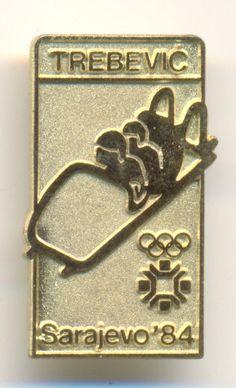 OLYMPIC SARAJEVO 1984  SKI  Bobsleigh and Luge Track TREBEVIC gold color badge