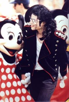 Michael Jackson and Minnie Mouse Michael Jackson Wallpaper, Michael Jackson Bad Era, The Jackson Five, Janet Jackson, Mj Dangerous, King Of Music, Beautiful Person, My King, American Singers