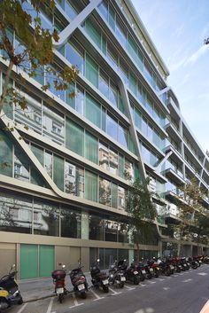 Travessera de Gràcia - Carrer d'Amigó Barcelona, Multi Story Building, Street View, Office Buildings, Thanks, Barcelona Spain