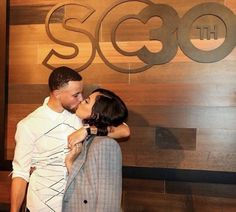 Stephen and Ayesha Curry 2018 Stephen Curry Family, The Curry Family, All In The Family, Family Love, Family Goals, Stephen Curry Ayesha Curry, San Francisco Basketball, Wardell Stephen Curry, Stephen Curry Pictures