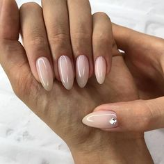 What manicure for what kind of nails? - My Nails Pink Nails, My Nails, Almond Shape Nails, Nails Shape, Fall Almond Nails, Nagellack Trends, Manicure E Pedicure, Manicure Ideas, Clear Nails