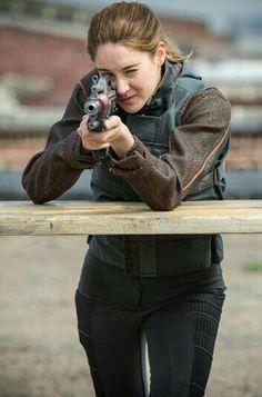 Tris~Divergent~ ~Insurgent~ ~Allegiant~ Love her 💖💕 Divergent Fandom, Divergent Trilogy, Divergent Insurgent Allegiant, Insurgent Quotes, Divergent Quotes, Shailene Woodley, Tris Y Tobias, Garçon Anime Hot, Tris And Four