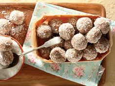 Food recipes from all over the world. Candy Recipes, Sweet Recipes, Baking Recipes, Cookie Recipes, Dessert Recipes, Desserts, Kos, Yummy Treats, Sweet Treats