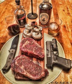 Weapons and Meat Cigars And Whiskey, Scotch Whiskey, Carne Asada, Beef Recipes, Cooking Recipes, Wagyu Beef, Dinner Is Served, Churros, Food Dishes