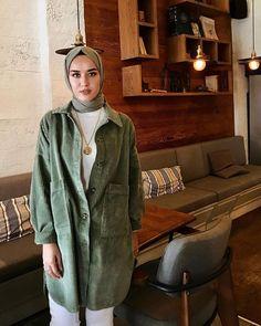 Hijab styles 371687775493016404 - Source by Hijab Elegante, Hijab Chic, High Street Fashion, Muslim Fashion, Modest Fashion, Fashion Outfits, Fashion Muslimah, Abaya Fashion, Casual Hijab Outfit