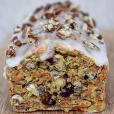 Carrot cake Recette du Carrot Cake sans sucre ni matière grasse ajoutés Ingrédients : ( pour le gâteau ...
