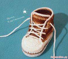 Ideas For Knitting Baby Booties Crochet Converse Booties Crochet, Crochet Baby Shoes, Baby Boots, Crochet Baby Booties, Baby Girl Shoes, Crochet Pillow Patterns Free, Crochet Patterns Free Women, Crochet Headband Pattern, Crochet Converse