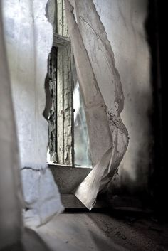 Summer breeze through an abandoned room. Wabi Sabi, Meas Vintage, Through The Window, Window Dressings, Summer Breeze, Light And Shadow, Shades Of Grey, 50 Shades, Windows And Doors