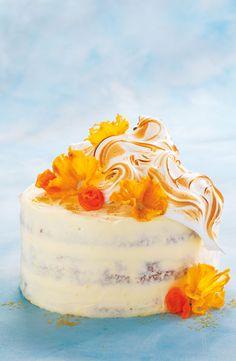Hummingbird naked cake with pineapple and carrot flowers Flan, Pretty Cakes, Beautiful Cakes, Sweet Recipes, Cake Recipes, Hummingbird Cake, Zucchini Cake, Pineapple Cake, Savoury Cake
