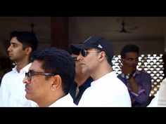 Akshay Kumar at the funeral of producer Vikas Mohan.