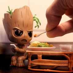 Imagenes Groot kawaii The Effective Pictures We Offer You About iced biscuits A quality picture can tell you many things. You can find the most beautiful pictures that can be presented to you about bi Cute Disney Drawings, Cute Animal Drawings, Kawaii Drawings, Cute Drawings, Cute Disney Wallpaper, Cute Cartoon Wallpapers, Frozen Wallpaper, Baby Groot, Marvel Wallpaper
