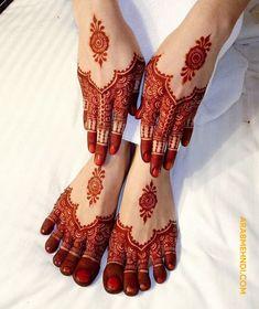 Tattoo Moon Lotus Mandala Design Ideas For 2019 Round Mehndi Design, Full Mehndi Designs, Finger Henna Designs, Legs Mehndi Design, Henna Art Designs, Mehndi Designs For Girls, Mehndi Designs For Beginners, Mehndi Designs For Fingers, Mehndi Design Images