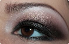 Cranberry dark smokey eye makeup. www.beautysbadhabitblog.blogspot.com