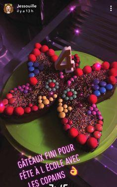 Gâteau d'anniversaire en forme de papillon : Recette de Gâteau d'anniversaire en forme de papillon - Marmiton