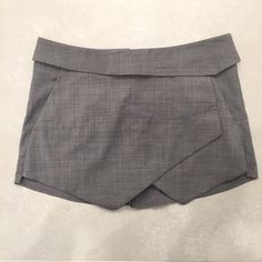 Aritzia Envelope Skort Aritzia wool stretch envelope skirt. Only worn twice, great condition. Perfect to wear with a blouse, crop top or even a plain tee! Aritzia Shorts Skorts