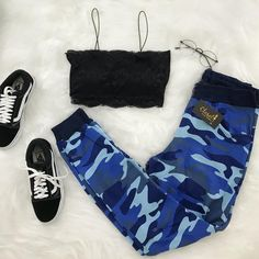 A imagem pode conter: sapatos - outfit ideas - Cute Lazy Outfits, Cute Swag Outfits, Teenage Outfits, Sporty Outfits, Retro Outfits, Outfits For Teens, Stylish Outfits, Girls Fashion Clothes, Teen Fashion Outfits