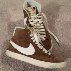 Nike Blazers Suede hi-top sneakers with white details. Great condition. Lightly worn. No major defects. Very comfortable. Nike Shoes Sneakers