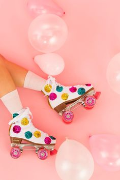 SKATE~ roll back to the with a pair of DIY sequin roller skates. Roller Disco, Disco Roller Skating, Quad Roller Skates, Roller Derby, Skate Party, Disco Party, 80s Party, Flower Power, Things That Bounce