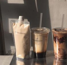 Milk tea, coffee and chocolate . Aesthetic Coffee, Aesthetic Food, Aesthetic Vintage, Milk Bath Photography, Food Photography, Milk Y Goku, Milk Box, Coffee Facts, Coffee Quotes