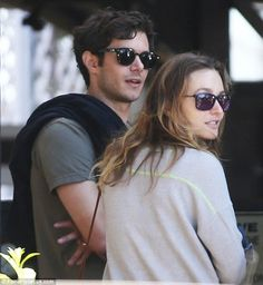 Leighton Meester & Adam Brody Take Their Family to Lunch: Photo Leighton Meester and Adam Brody take their family out for lunch at Reel Inn on Wednesday (October in Malibu, Calif. The former Gossip Girl actress… Hollywood Couples, Hollywood Celebrities, Celebrity Couples, Celebrity Gossip, Hollywood Style, Leighton Meester Adam Brody, Cute Names, Jennifer Hudson, Fashion Couple