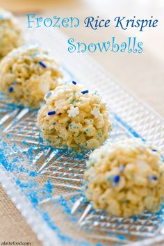 """""""Frozen"""" Rice Krispie Snowballs: These """"Frozen"""" inspired rice krispies are so simple to make and so much fun to eat!"""