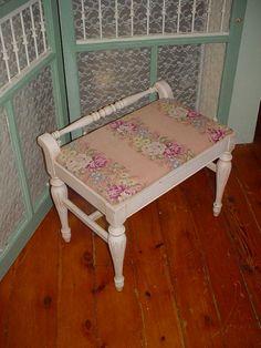 VERY PRETTY!!!!!!!!!!!!!!!!!!!!! Painted Vanity | DIY: Furniture ...