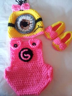Hey, I found this really awesome Etsy listing at https://www.etsy.com/listing/161212443/crochet-baby-minion-outfit