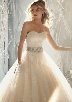 High Fashion | Style | Wedding Ideas: Elegant wedding dress