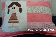 Capa de travesseiro. Quarto de menina. Patchcolagem. Patchwork de Mãe.