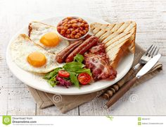 The Chrono-nutrition diet calls for a big breakfast. Breakfast Photography, Food Photography, Scones, English Breakfast, Mediterranean Diet Food List, Asian Recipes, Healthy Recipes, Delicious Recipes, Moist Pumpkin Bread