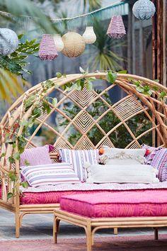 Peacock Cabana Daybed von Anthropologie in Beige Größe: Alle - JudeBuxom. Bg Design, House Design, Interior Design, Hanging Furniture, Home Furniture, Furniture Ideas, Rustic Furniture, Modern Furniture, Rattan Outdoor Furniture