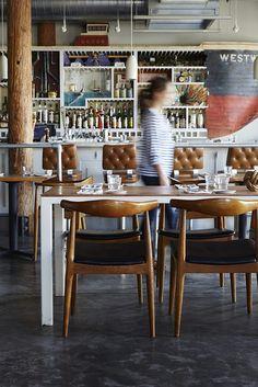 Hoge tafel zwart met oud houten blad   For the Home   Pinterest