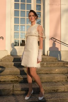 Daisy - Miss Fab - (Les petites histoires d'A) Pièce unique - Robe de mariage civil soie et tulle brodé haute couture. #fabiennedimanovparis #missfab #robepersonnalisable #robepersonnalisée #robesurmesure #faitmain #fabriqueenfrance #madeinfrance #petiterobe #robedemariee #robedemariagecivil #robemariage #robedemariagesurmesure #artsmod 2018 Skirt Outfits, Dress Skirt, Button Dress, Daisy, Tulle, High Neck Dress, Unique, Skirts, Collection