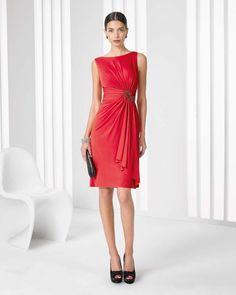 Color rojo para los vestidos más sofisticados. Laural cc3986235ca9
