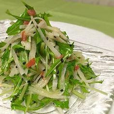 梅胡麻ドレッシング 全て目分量のため、正確な量がわからずごめんなさい 梅の酸味と胡麻の香りで お野菜もりもり食べられちゃいま〜す - 219件のもぐもぐ - 水菜と大根の梅胡麻サラダ by soleilaki