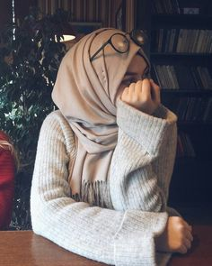 hijab resmi