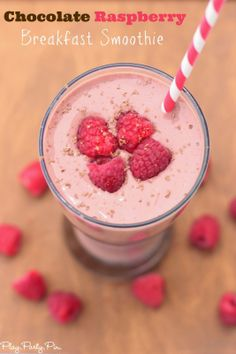 Chocolate raspberry smoothie recipe that's perfect for breakfast, lunch, or dinner #BreakfastEssentials #PMedia #ad