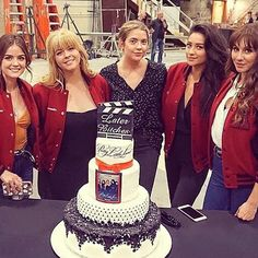 """Pretty Little Liars"" Is Officially Done Filming Forever And I'm Sobbing"