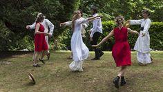 Con il Teatro all'aperto rivive l'energia dell'antica comunità naturista