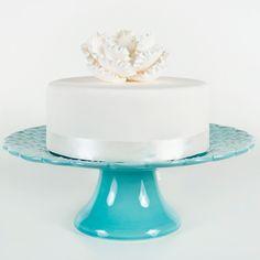 Bordallo Pinheiro cake stand - Ditsy (in aqua - color 544) Want!