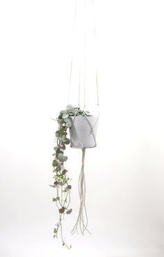 Balkon - Blumenampel innen schlicht und modern GRAU - ein Designerstück von Hallodribums bei DaWanda