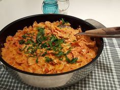 Krämig pasta i tomatsås- middag på 30 min