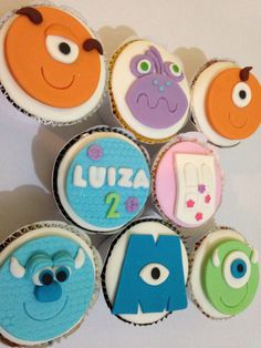 Monster University Cupcakes, Monsters Ink, Disney Pixar Movies, Baby Birthday, Cupcake Toppers, Deli, Cookies, Personalised Chocolate, Personalised Sweets