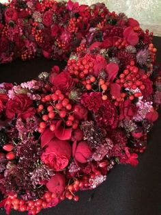 Holiday centerpiece wreath