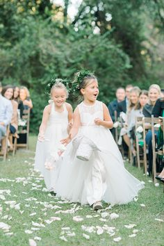 This is why flower girls are a must in a wedding (image by Aron and Jillian photography) Flower Girl Photos, Flower Girls, My Flower, Wedding Images, Wedding Styles, Designer Flower Girl Dresses, Wedding Gallery, Special Occasion Dresses, Real Weddings