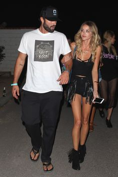 Brody Jenner and Kaitlynn Carter Brody Jenner Shirtless, Stylish Couple, Male Feet, Miley Cyrus, Black Faux Leather, Popsugar, Supreme, Sexy Men, Outfit Ideas