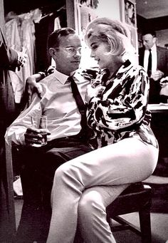 Marilyn Monroe and Wally Cox Marilyn Monroe 1962, Marilyn Monroe Photos, Classic Hollywood, Old Hollywood, Cinema Tv, Norma Jeane, Famous Faces, Bombshells, Beleza