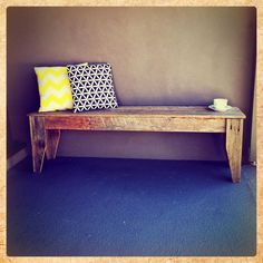 Oooo recycled fence pailing bench seat. I can make this