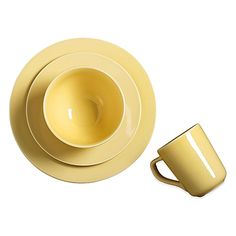 Find all the inspiration you need for an amazing meal with this delightful 4-Piece Round Place Setting from Real Simple. Designed for use at every occasion, the pieces' rich color and simple lines enhance casual meals beautifully with fuss-free elegance.