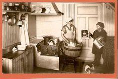 Sweden - Gammalt kök, järnspis, tvättning, äkta foto - Old kitchen, iron stove, washing, real photo